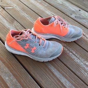 Under Armour Women's Running Shoes Sz 7